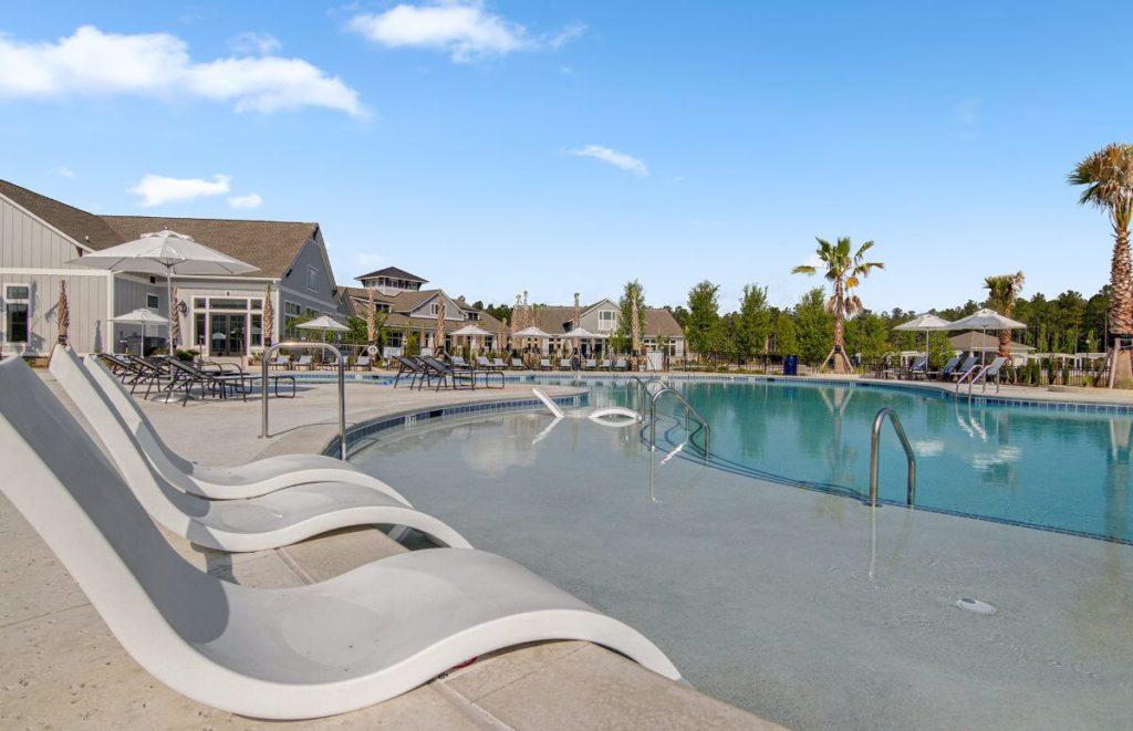 Four Seasons at Lakes of Cane Bay Zero Entry Swimming Pool